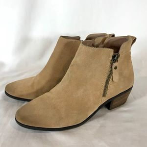 Vince Camuto Tricera Suede Zip Ankle Booties 6.5 M